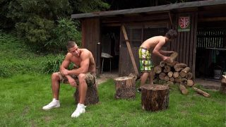 Outdoor bareback fuck – Arny and Paul